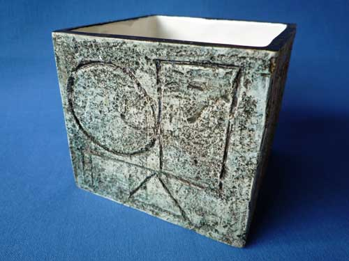 Troika Rough Textured Ware Cube